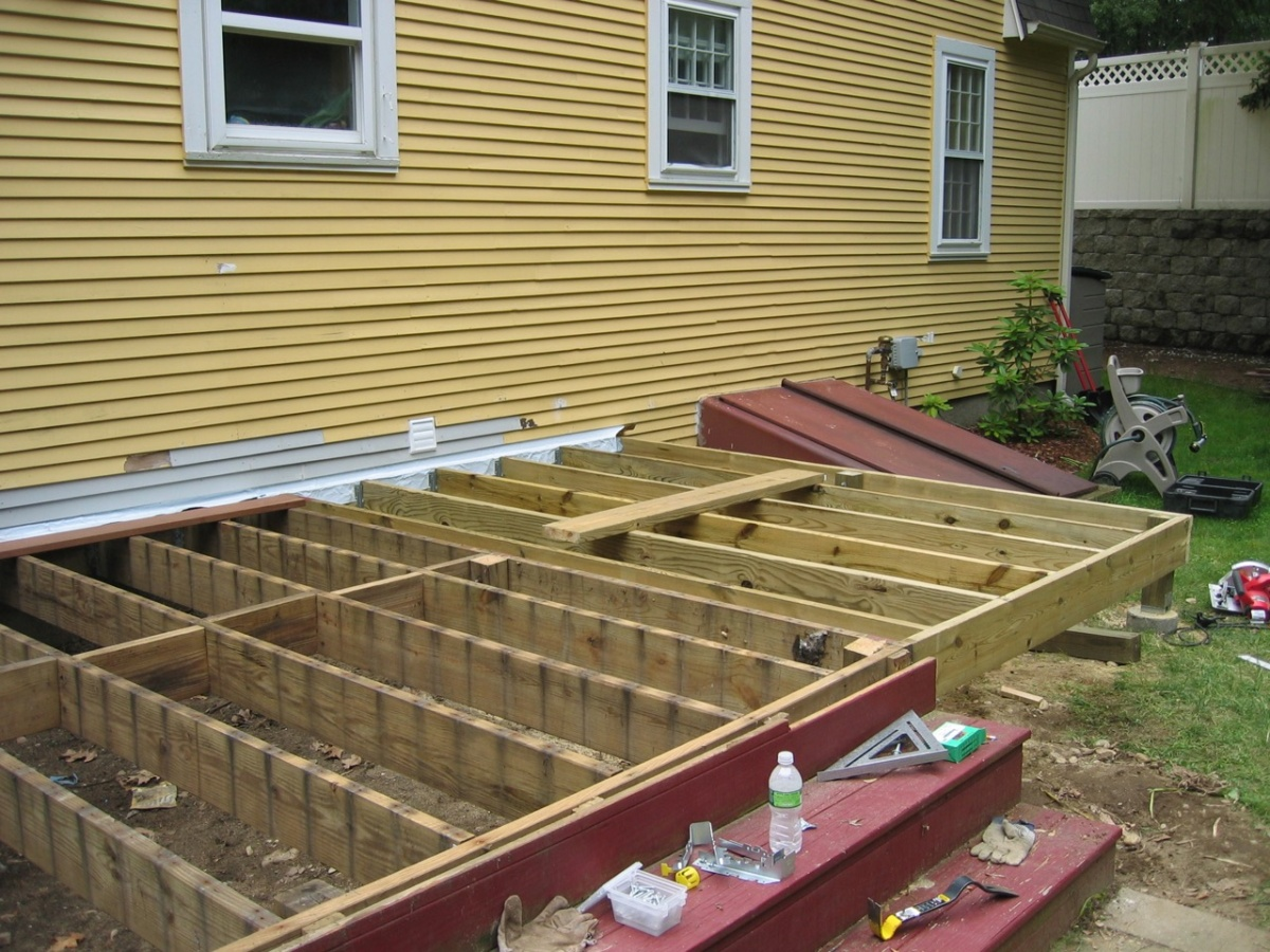 New Project Page – Pleasant St Deck